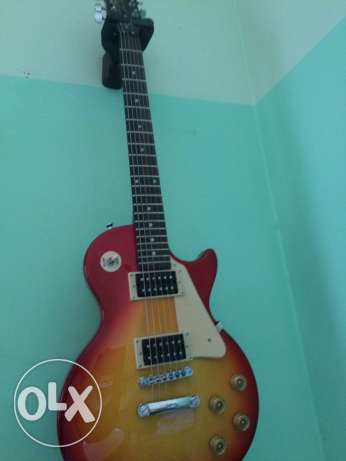 epiphone LP100 1 month used still new no scratches