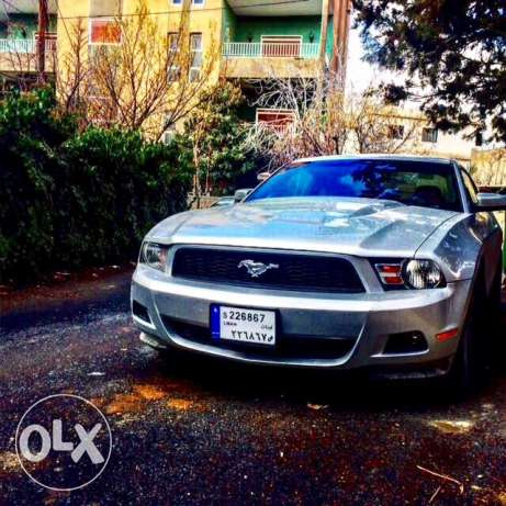 4.0 Ford Mustang like new