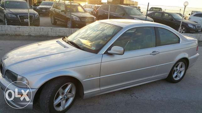 Bmw 325 ci 2002 in a super great condition one owner in lebanon