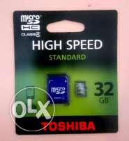 Toshiba - High speed 32 GB micro SD and adapter