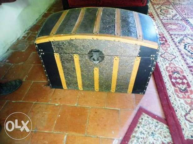 Wooden box Chest for wood excellent condition