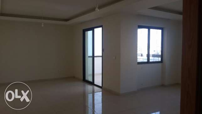 Jdeideh brand new apartment suitable for residential or commercial use
