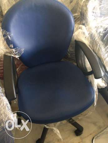 Office Chair available in Blue Color . الشياح -  1
