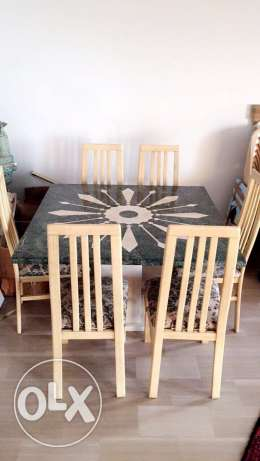A beautiful dinning table