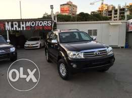 Toyota Fortuner Black 2011 Top of the Line in Excellent Condition!