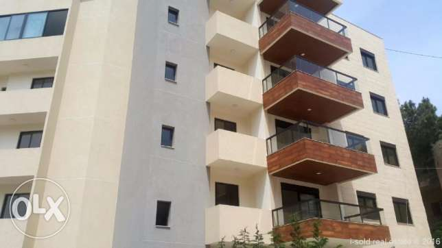 103 m2 apartment for sale in Dbayeh (3 parking lots, storage room)
