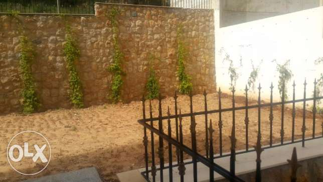 170 m2 apartment + 90 m2 garden for sale in Baabdat (mountain view)