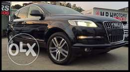 Audi Q7 2008 Black Premium Package in Excellent Condition!