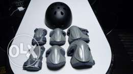 Salomon Rollers, protection pads and Helmet.
