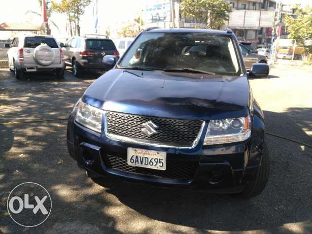 suzuki grand vitara 2010 full option clean carfax 4 cylinder عاليه -  2
