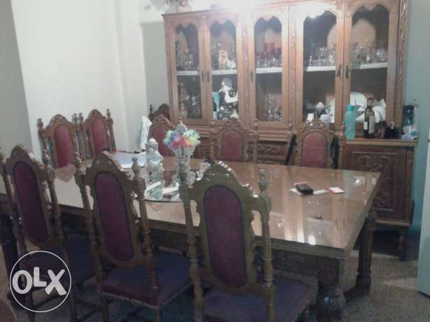 Dining Room Table + 10 Chairs + Cupboard مزخرفة سن الفيل -  1