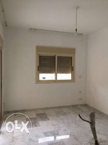 Ein Teeneh: 165m apartment for rent.
