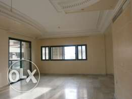 mg202Sea view apartment for rent in Jnah, 300 sqm, 7th floor.
