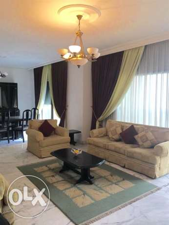 Ein Teeneh: 265m apartment for rent.