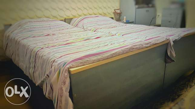 2 Wooden single beds with foma mattress تخت عدد 2 مع فرش