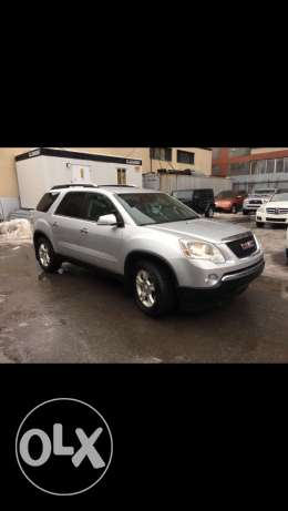 gmc acadia clean car fax just arrive to beirut