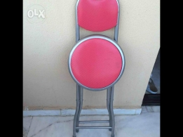 Small confortibale chairs