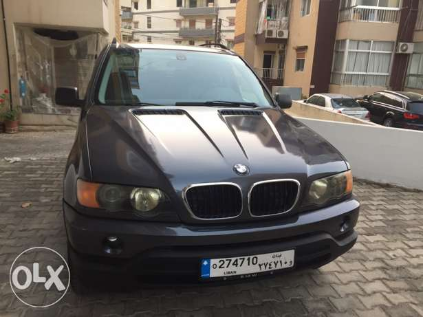 bmw x5 2002 very clean 8500$