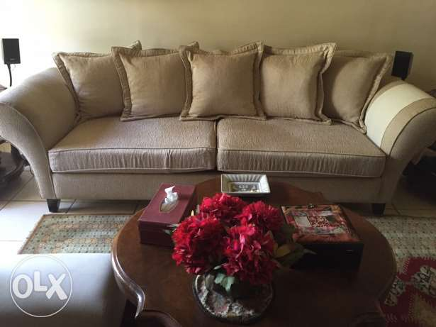 one big sofa for sale بيت الشعار -  1