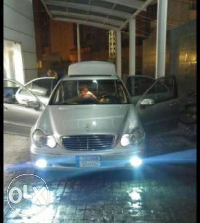 Mercedes-Benz, very clean car, No accident, full option 2001