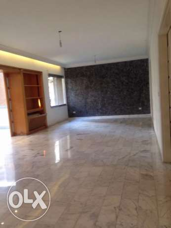 MG735, Flat for rent located in Tallet El Khayat, 250m2, 5th Floor.