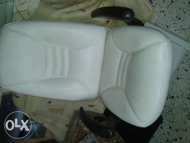 Chair for make up or pedicure كسروان -  1