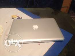 macbook pro core i7 750 GB hardisk 4 Gb Ram