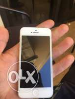 iphone 5 little scratches 16 gb for sale 90$
