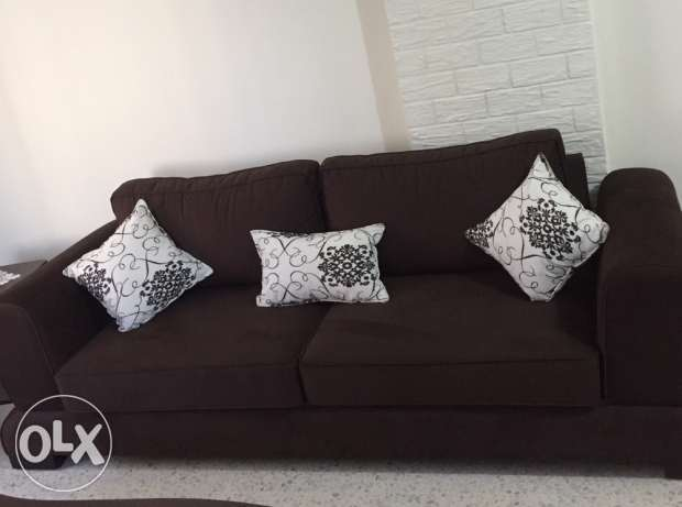 living room barely used in very good condition هلالية -  1