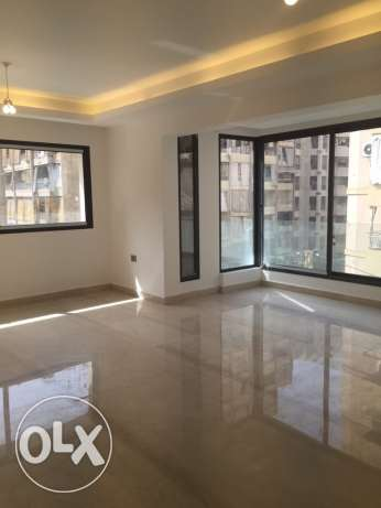 Sanayeh: 175m apartment for rent