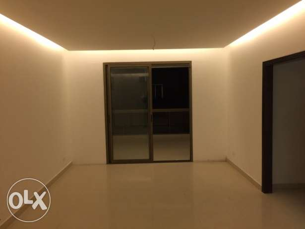 Ras Nabeh: 165m apartment for sale راس النبع -  1