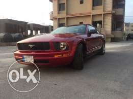 Ford mustang like New very good conditions
