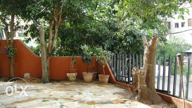 Apartment semi-furnished with Garden in Mazraat yachouh.