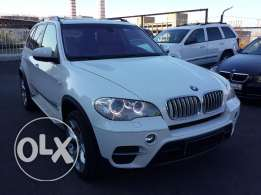 2011 BMW X5 xDrive 35i Perfect condition Sport Pack Fully loaded !