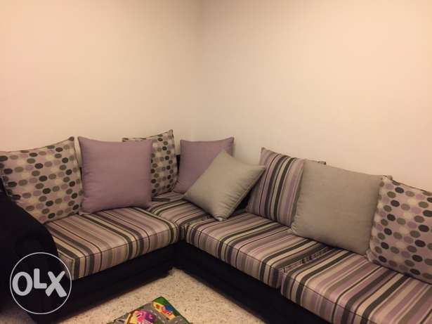 living room for urgent sale خلدة -  1