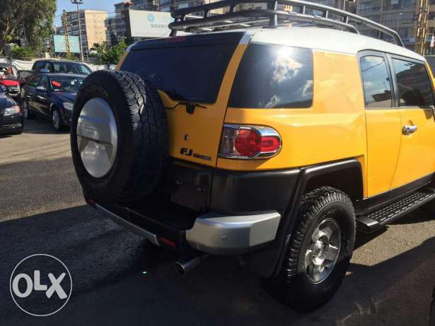 Fj Cruiser 2009 4×4 ,very low mileage, clean carfax, full options. الشياح -  2