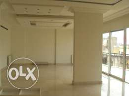 Apartment for rent in Badaro, 330 sqm, luxurious