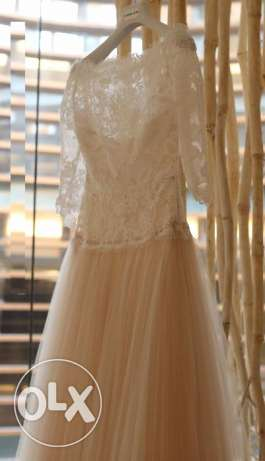 As new 2nd hand charming wedding dress