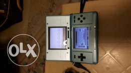 2 Nintendo blue and black very good like new with ine game and 2 charg