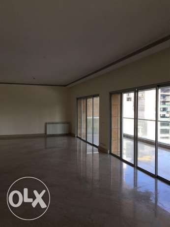 Clemenceu: 325m apartment for rent