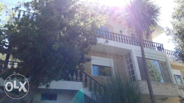 Small Villa on 1340m2 plot with beautiful garden in Raifoun for Rent