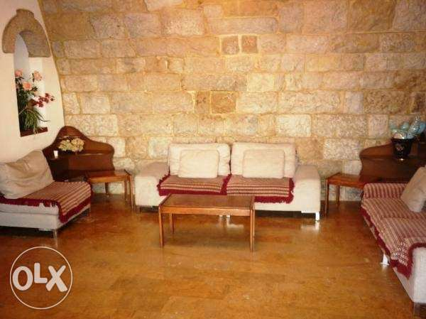 بيت عقد Fully Furnished House At Bikfaya For Rent