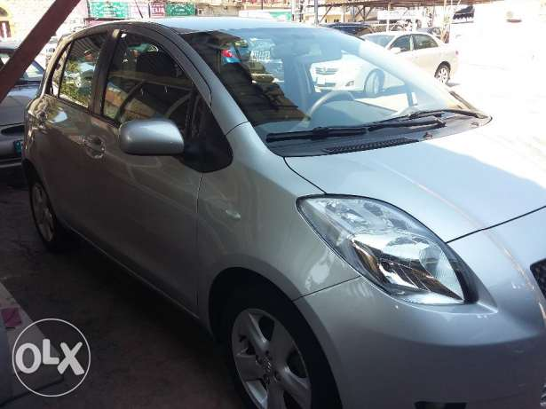 toyota yaris 2007 silver, full option, بوشرية -  2