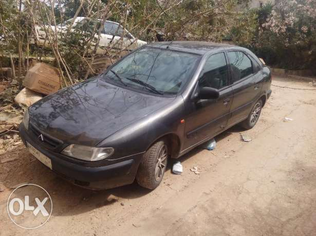Citroen xsara 98 full option ma na2esa she l se3er l nehe2e 3500 dol.