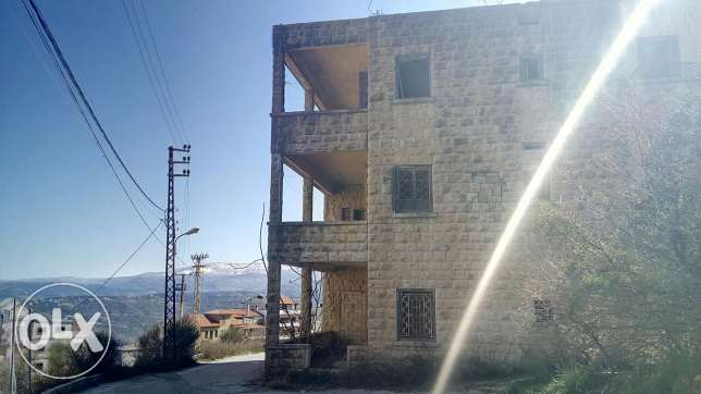 building for sale in Bhamdoun