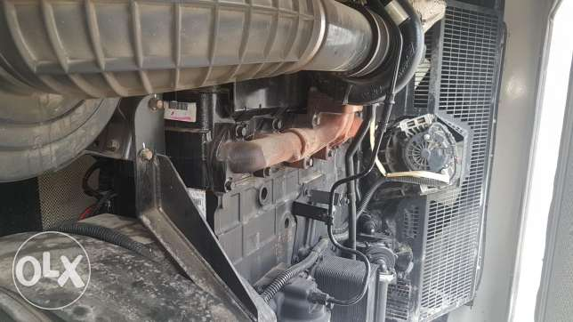 PERKINS 350 kva almost new.4000 hours only