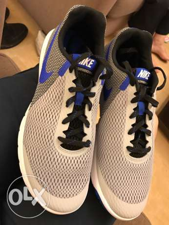 brand new nike running shoes for men size 42 bought from canada