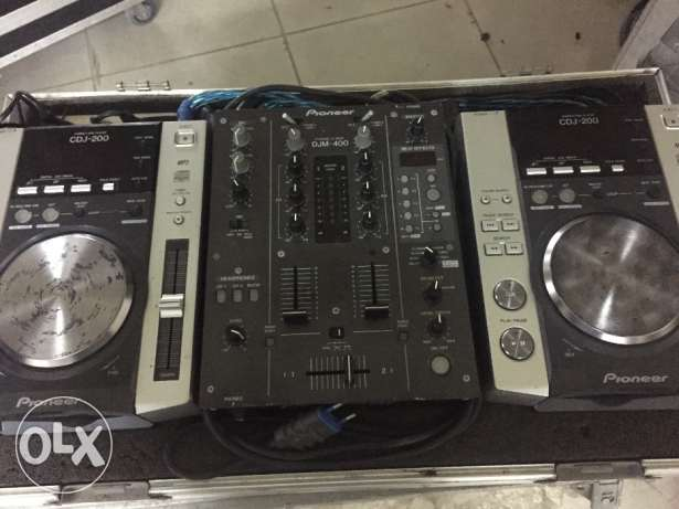 Pioneer cdj 200 with djm 400 and flight case