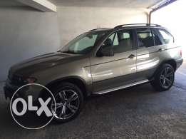 x5 4.4 like new 2004 for sale only.