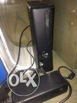 Xbox 360 4 GB + 16 GB Usb for Extra Storrage + Controller + CD's